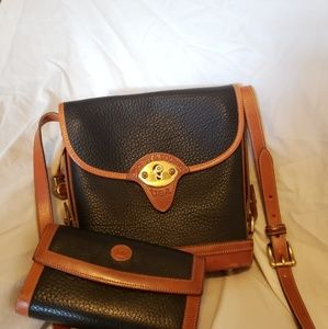 Dooney and Bourke crossbody leather bag
